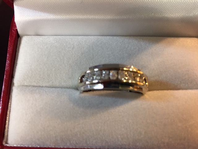 Men's 10 kt. White Gold Wedding Band